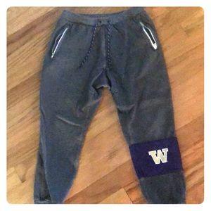 UW Nike sport pants. Zip pockets.